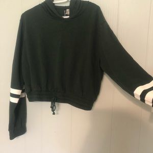 Dark green long sleeve crop top